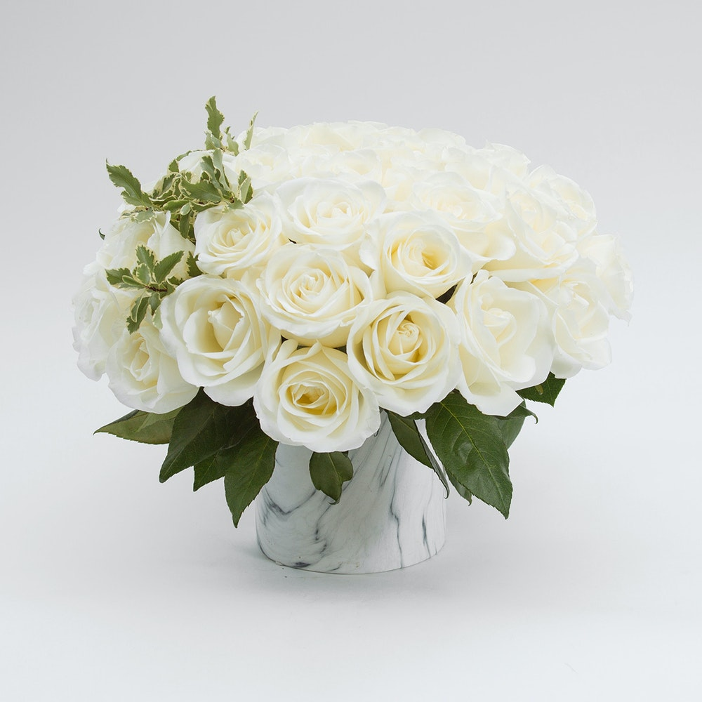 So Chic White Roses